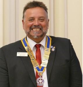 P1070596president Nigel Grimmitt